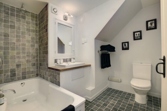Helvellyn Room Bathroom